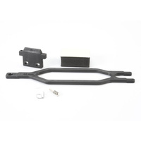 Traxxas 5827: Hold down, battery, hold down retainer