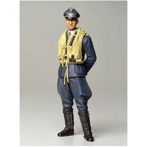Tamiya WWII German Luftwaffe Ace Pilot 1:16 Scale Model World Figure Series no.2 #36302